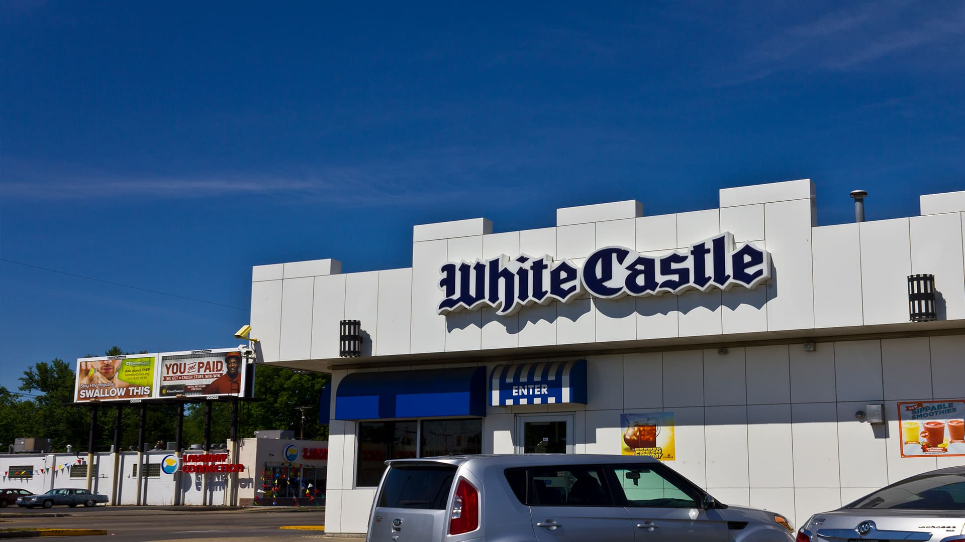 Why White Castle, America's oldest hamburger chain, stayed small
