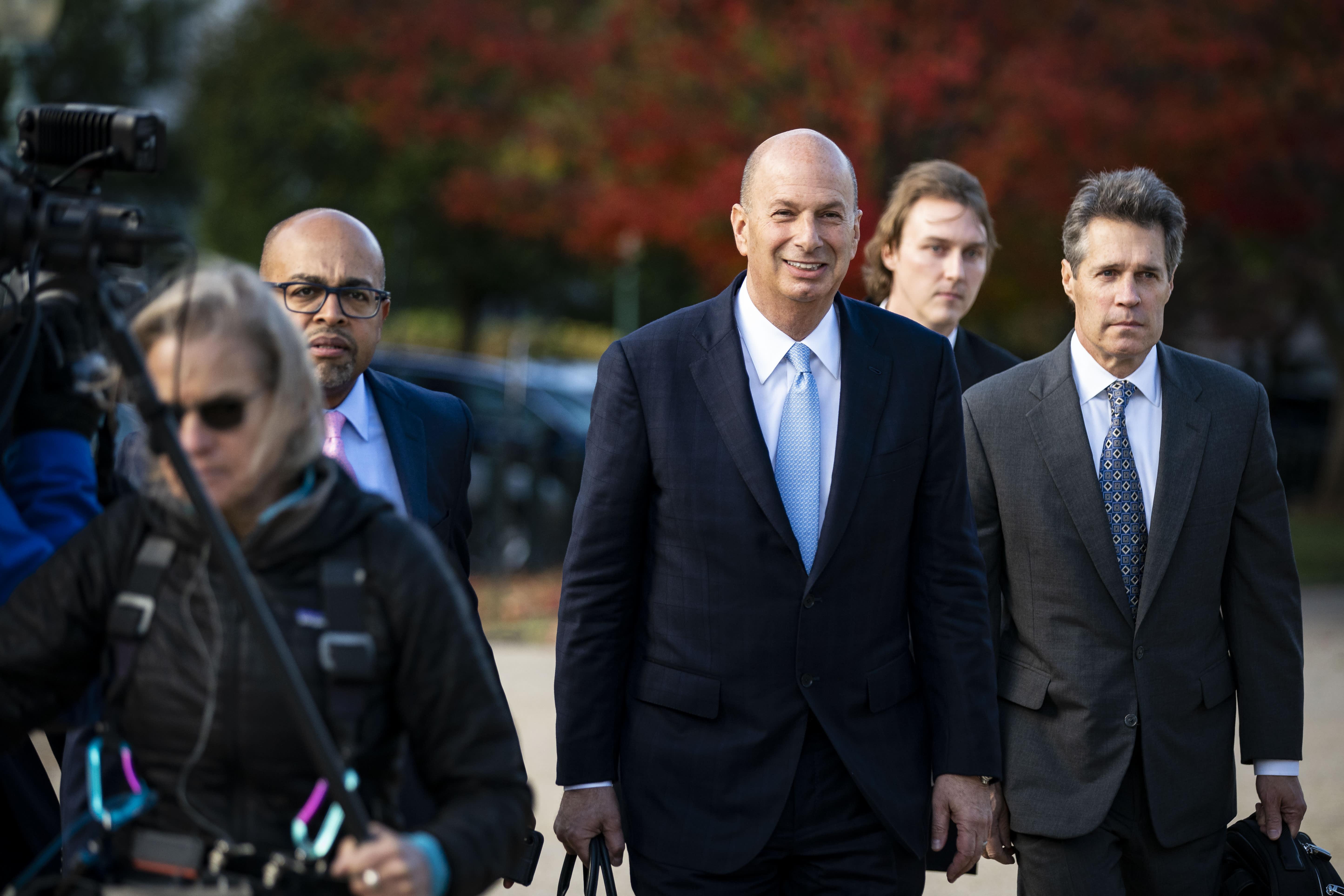 Trump ordered Ukraine 'quid pro quo' through Giuliani, key witness Sondland testifies