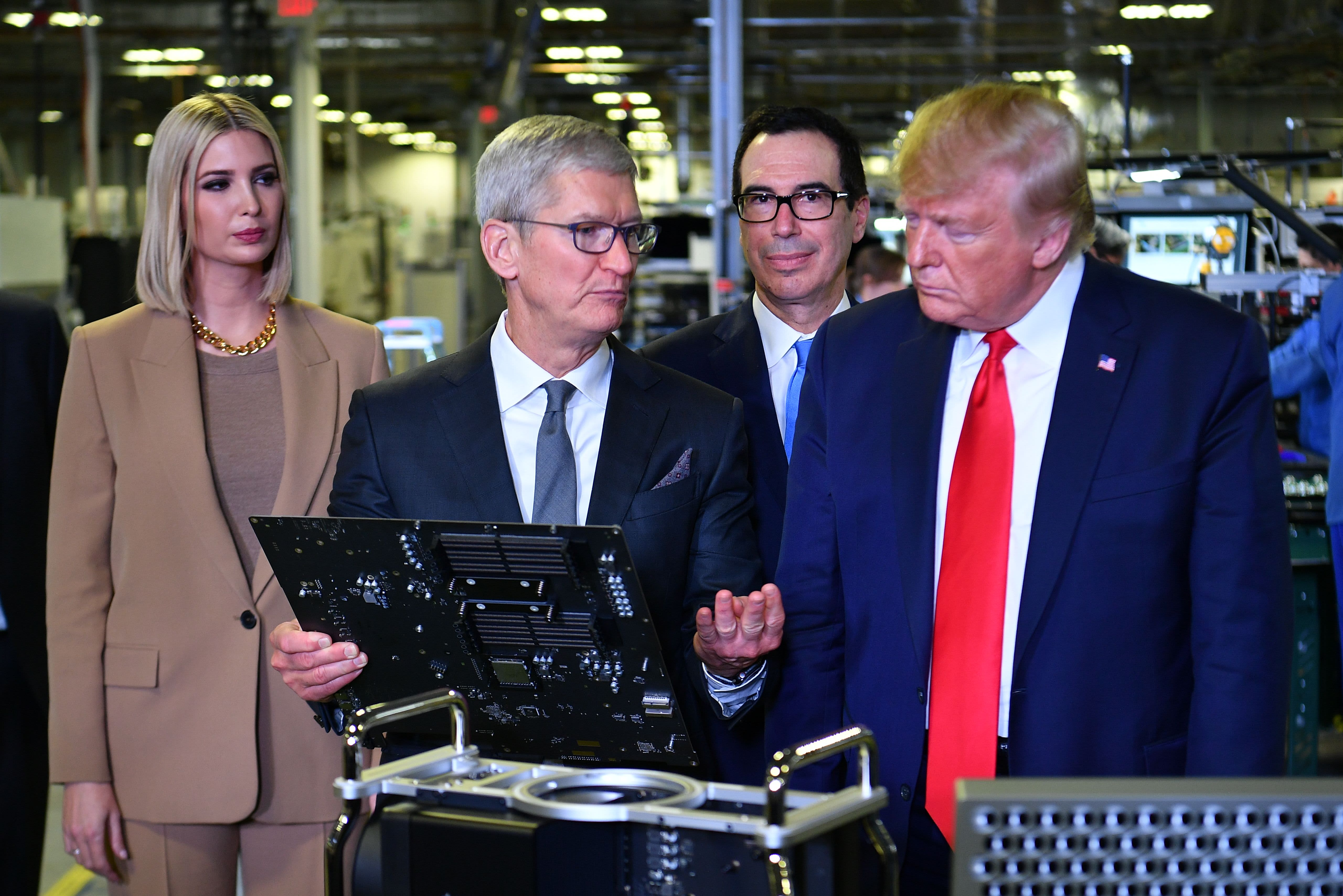 Trump demands Apple unlock iPhones: 'They have the keys to so many criminals and criminal minds' - CNBC