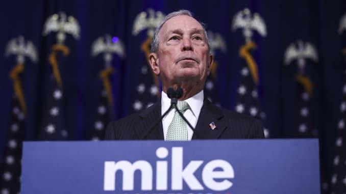 GP: Democratic Presidential Candidate Mike Bloomberg Meets Voters And Elected Officials In Norfolk, Virginia