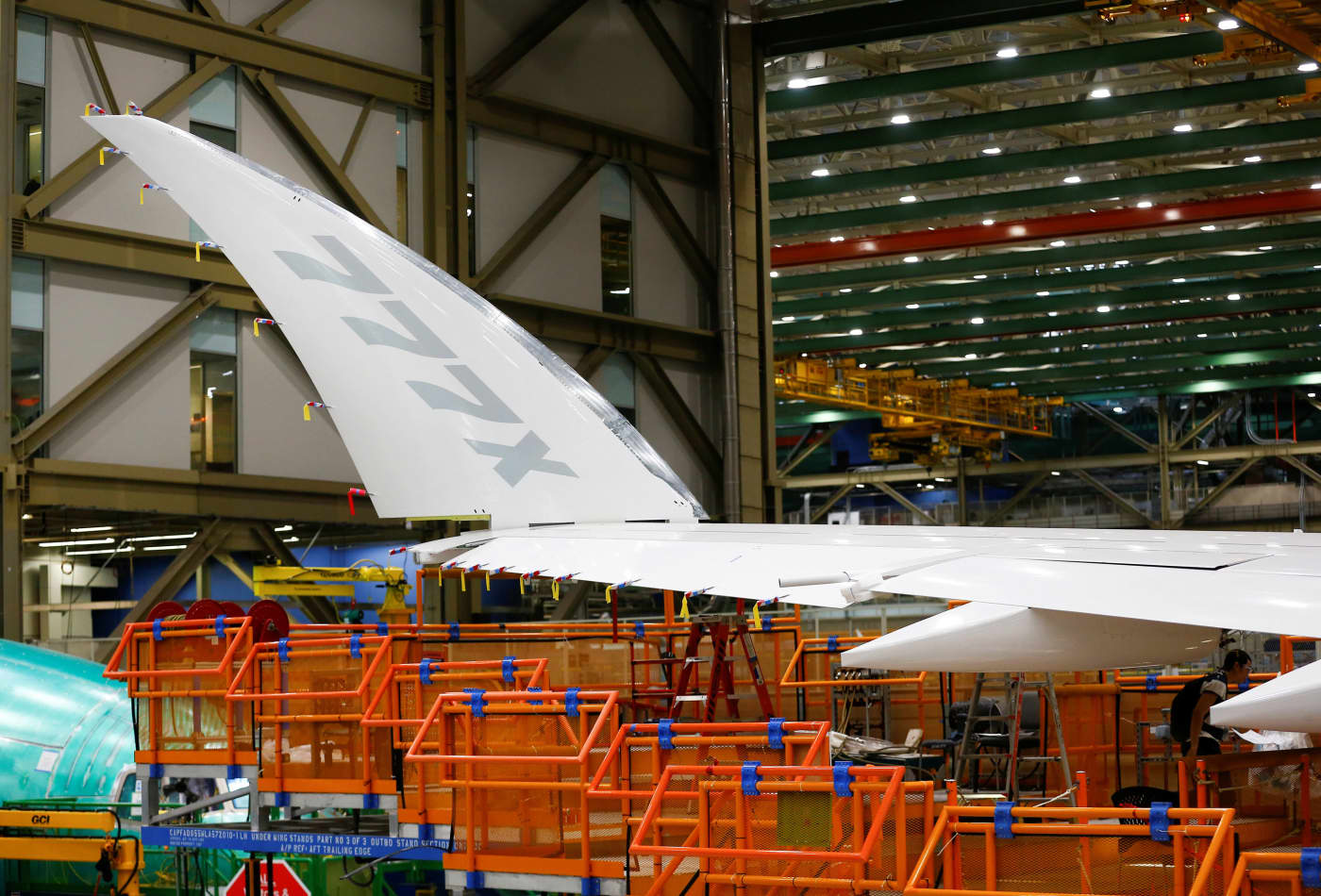 Boeing 777X fuselage reportedly split during September stress test