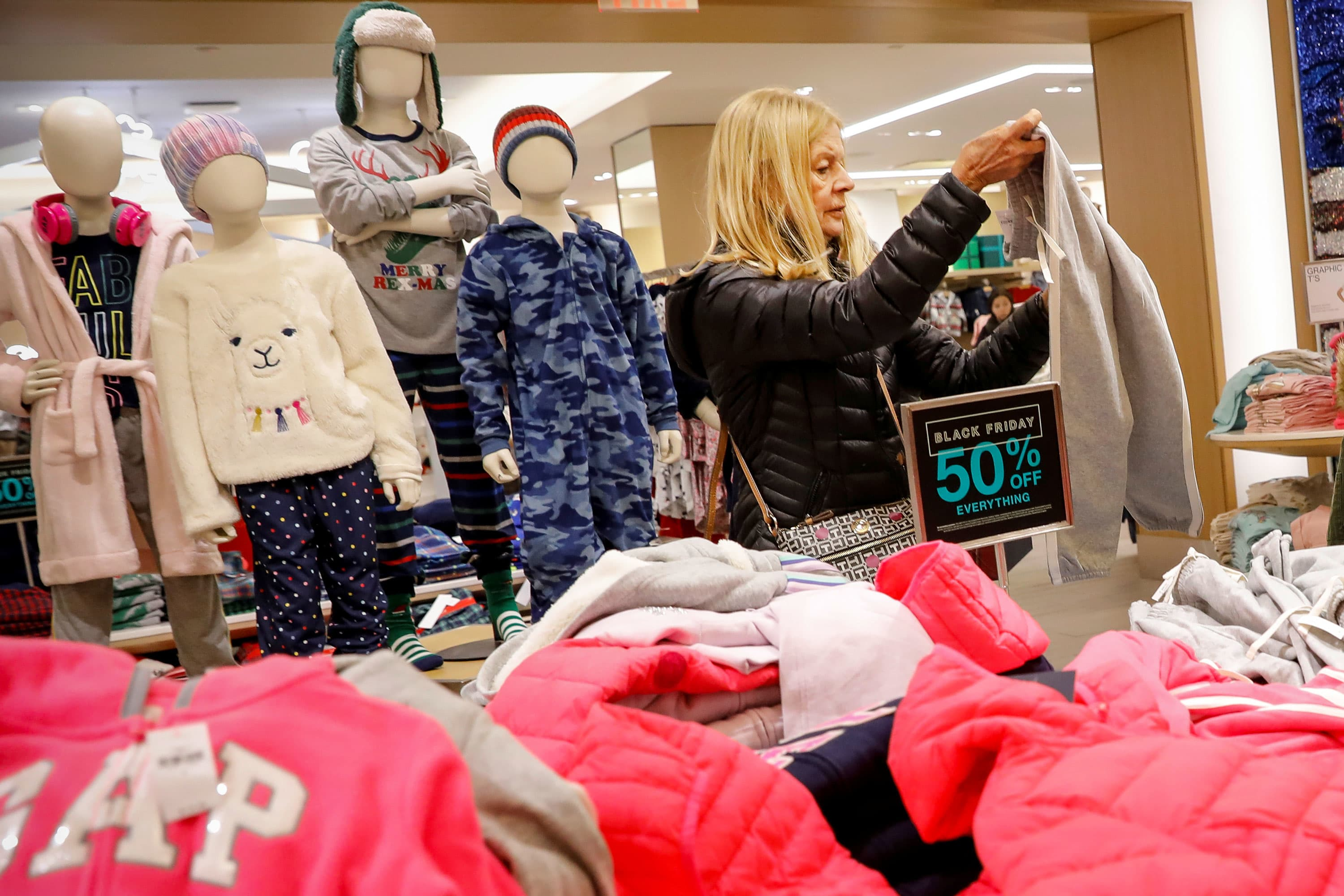 Holiday season off to a solid start as 190 million people shop Thanksgiving weekend