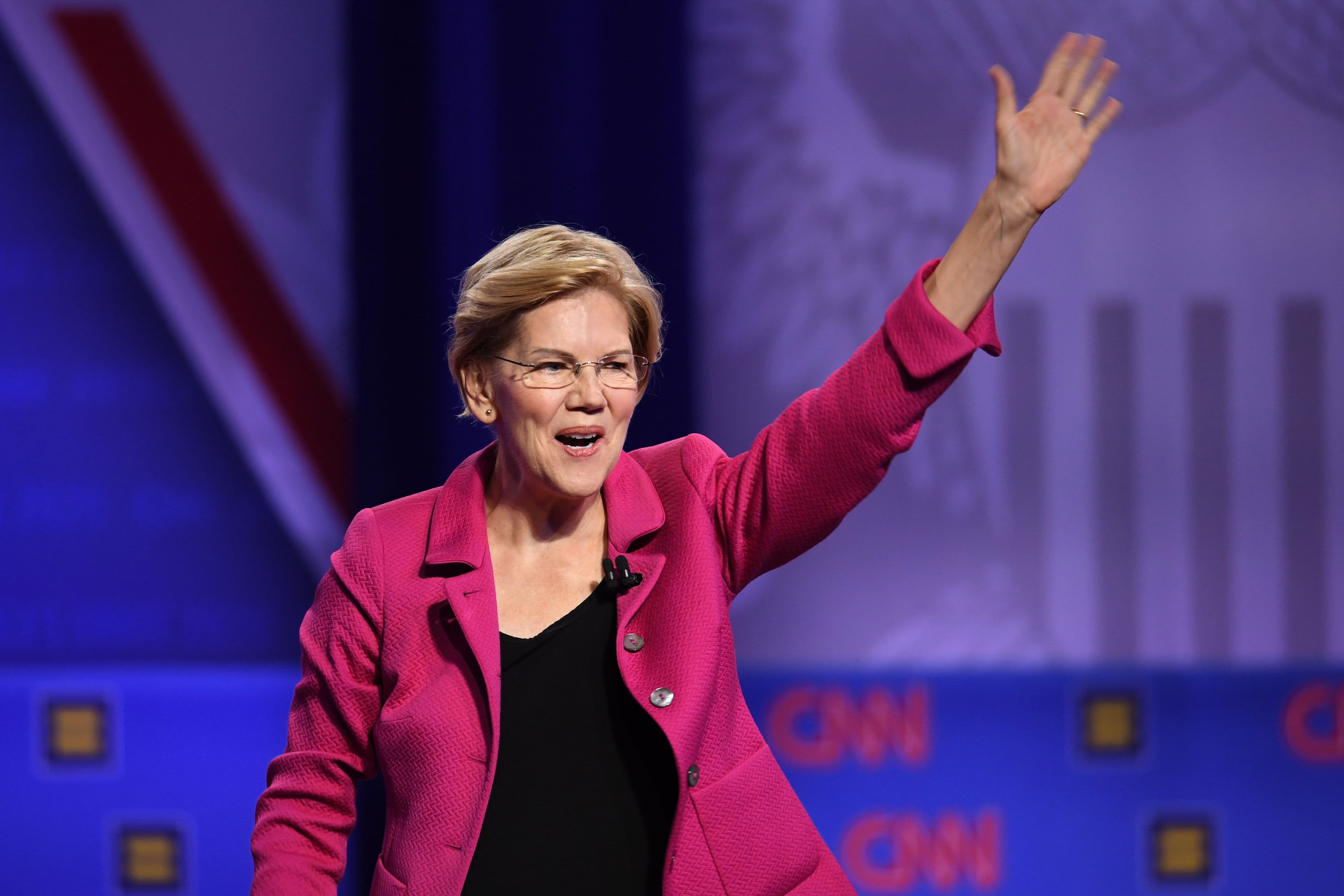 'Let's make that the law': Elizabeth Warren challenges Jamie Dimon and Business Roundtable over accountable capitalism pledge