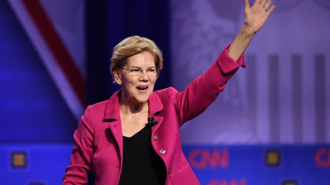 GP: ELizabeth Warren waving