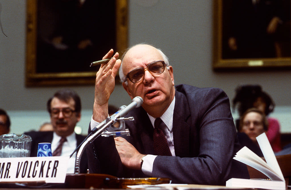 Paul Volcker, the Carter-Reagan Fed chairman who beat inflation, dies at age 92