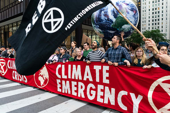 Climate experts demand world leaders stop 'walking away from the science'