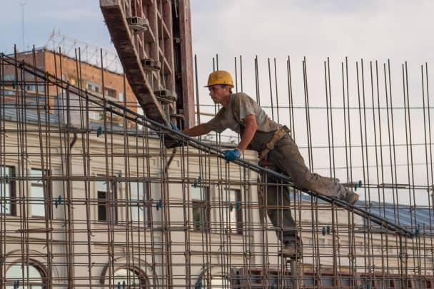 20/20: Construction worker