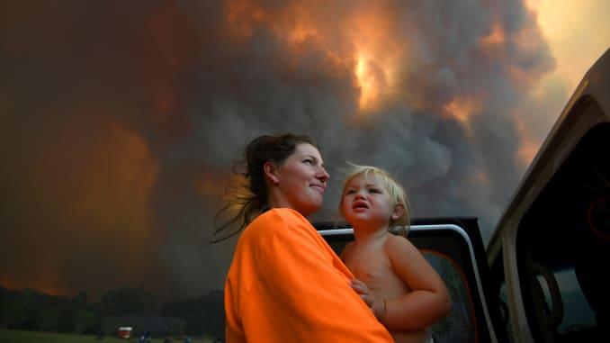 RT: Australia incendios forestales: La madre y el niño 191 112