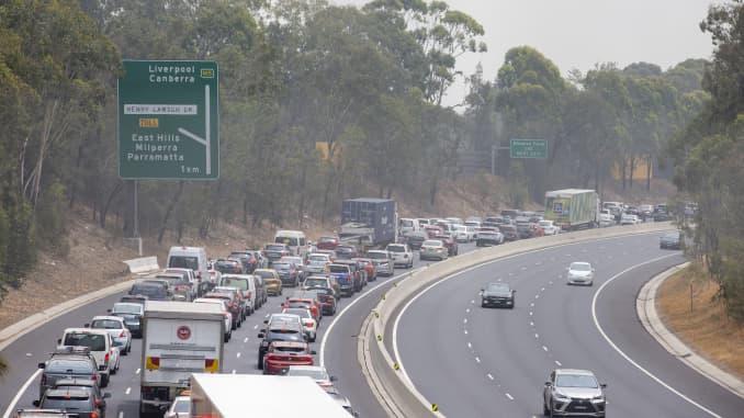 GP: Incendios forestales en Australia: cierre de M5 de las fuerzas de Bushfire del oeste de Sydney