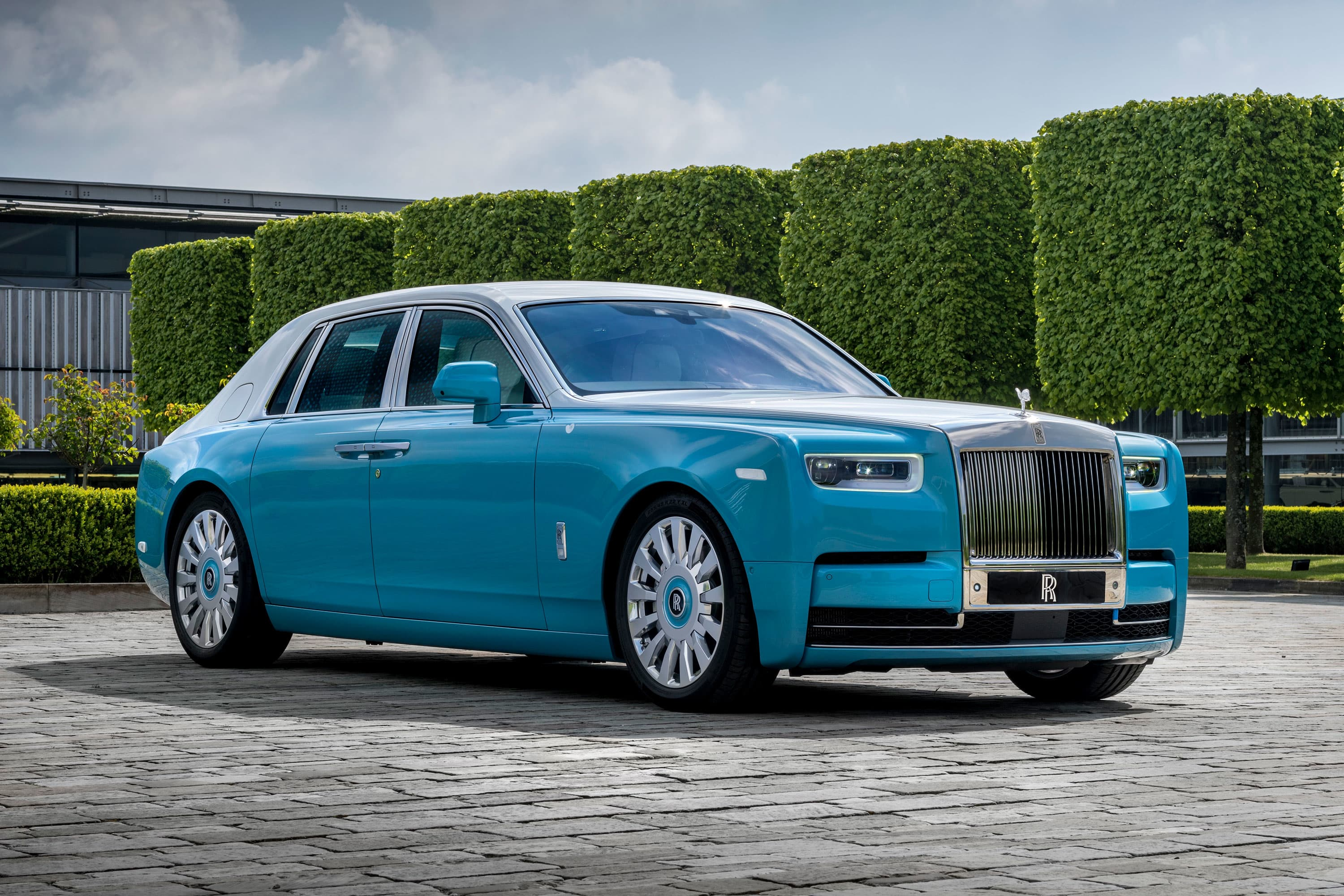 Rolls-Royce hits new sales record in the first quarter as the wealthy demand luxury cars
