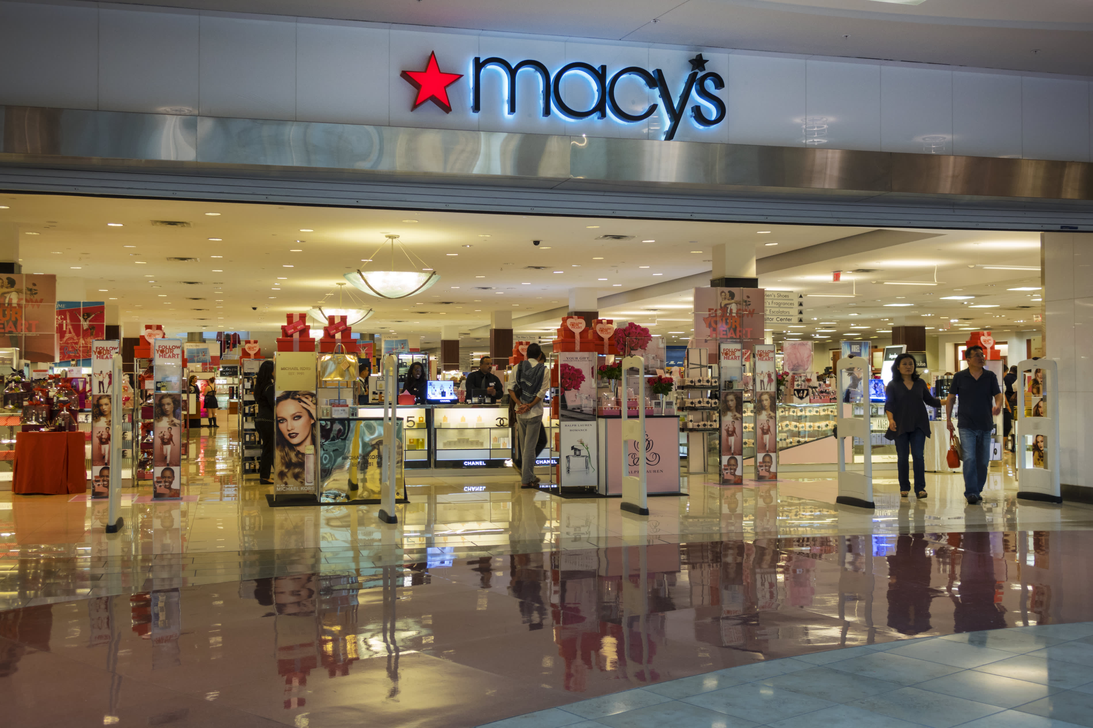 Macy's is shuttering 45 more locations this year as part of its 3-year store closure plan – CNBC