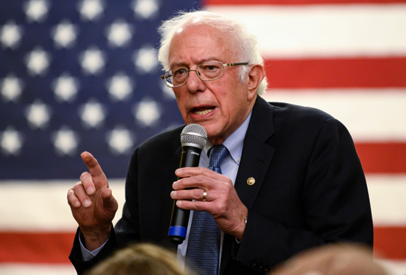 Sanders charges ahead in Iowa race, New York Times poll finds