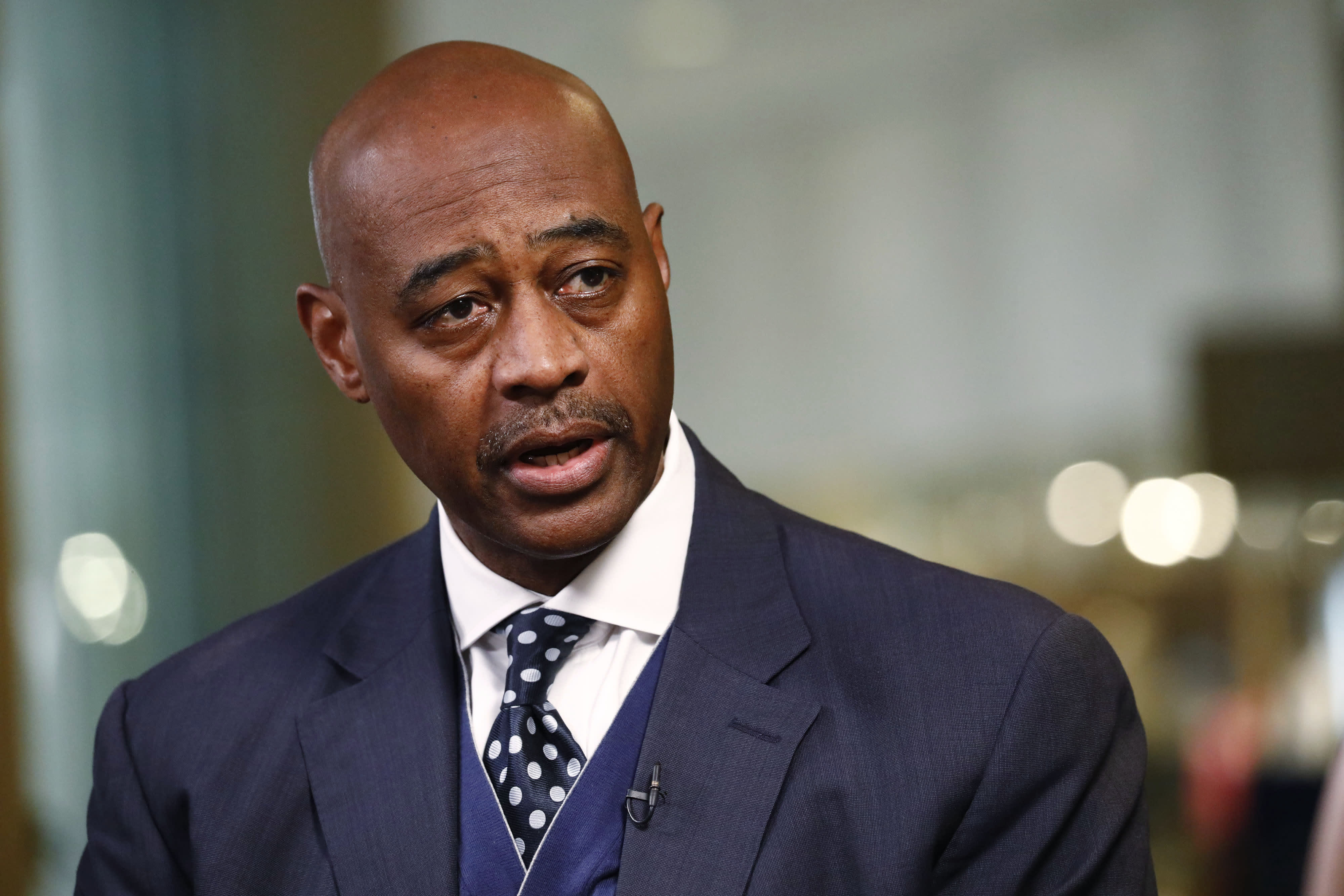 Citigroup executive Ray McGuire, a political moderate, considers running for mayor of New York