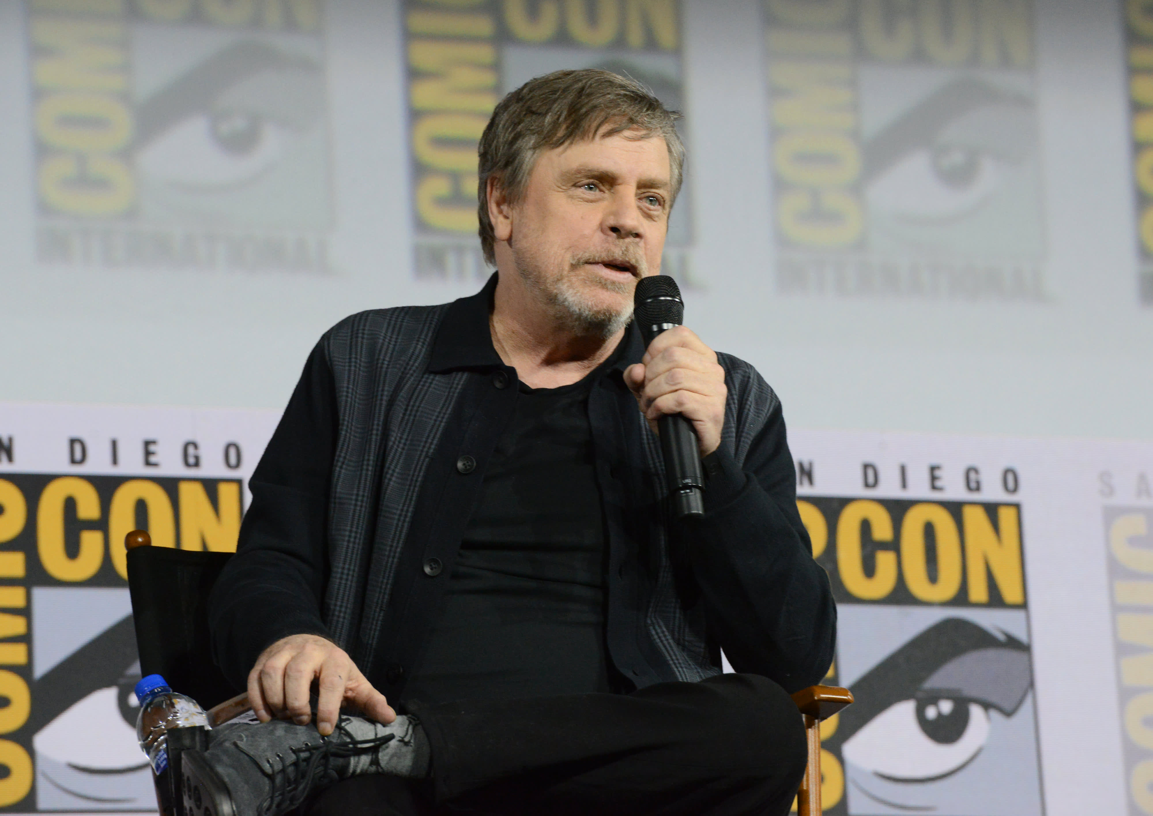 'Star Wars' star Mark Hamill deleted his Facebook account because of its political advertising policy