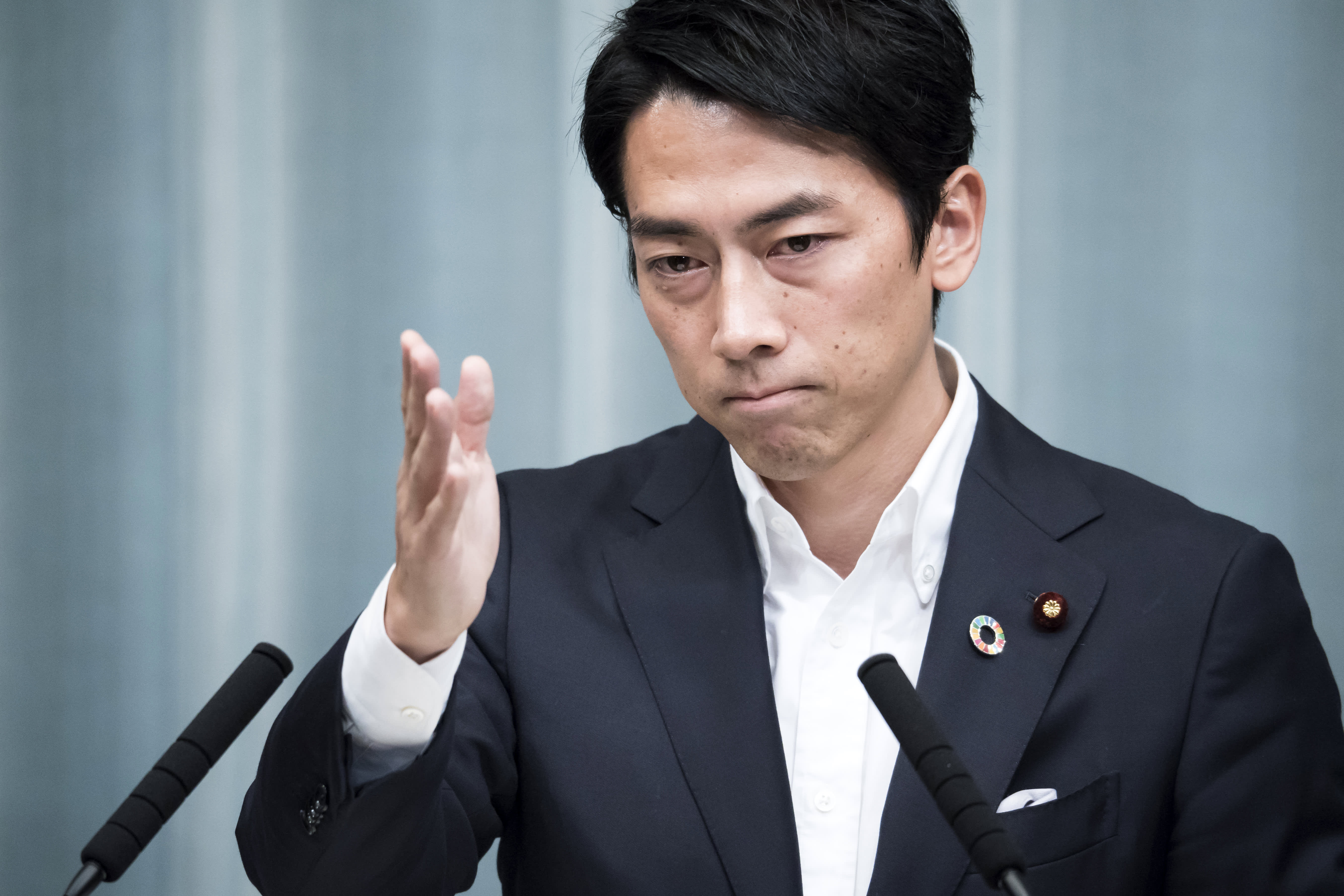 This Japanese politician's 2 weeks of paternity leave is dividing the public