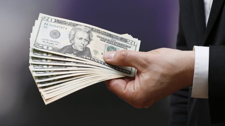 US dollar recovers vs yen, Swiss franc, buoyed by stimulus hopes