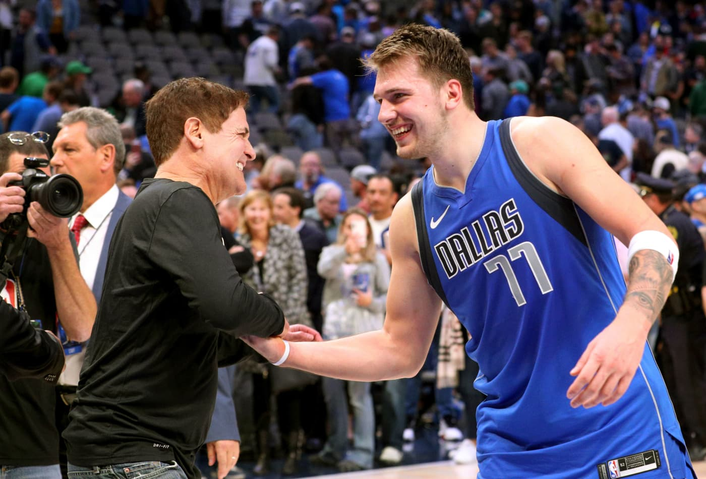 Dallas Mavericks finalize multi-year jersey patch deal with Chime