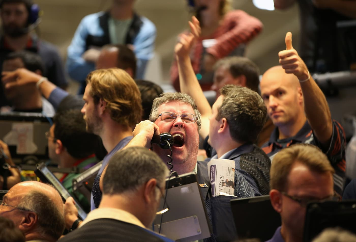 JP Morgan leads bank earnings with billions in bond trading revenue