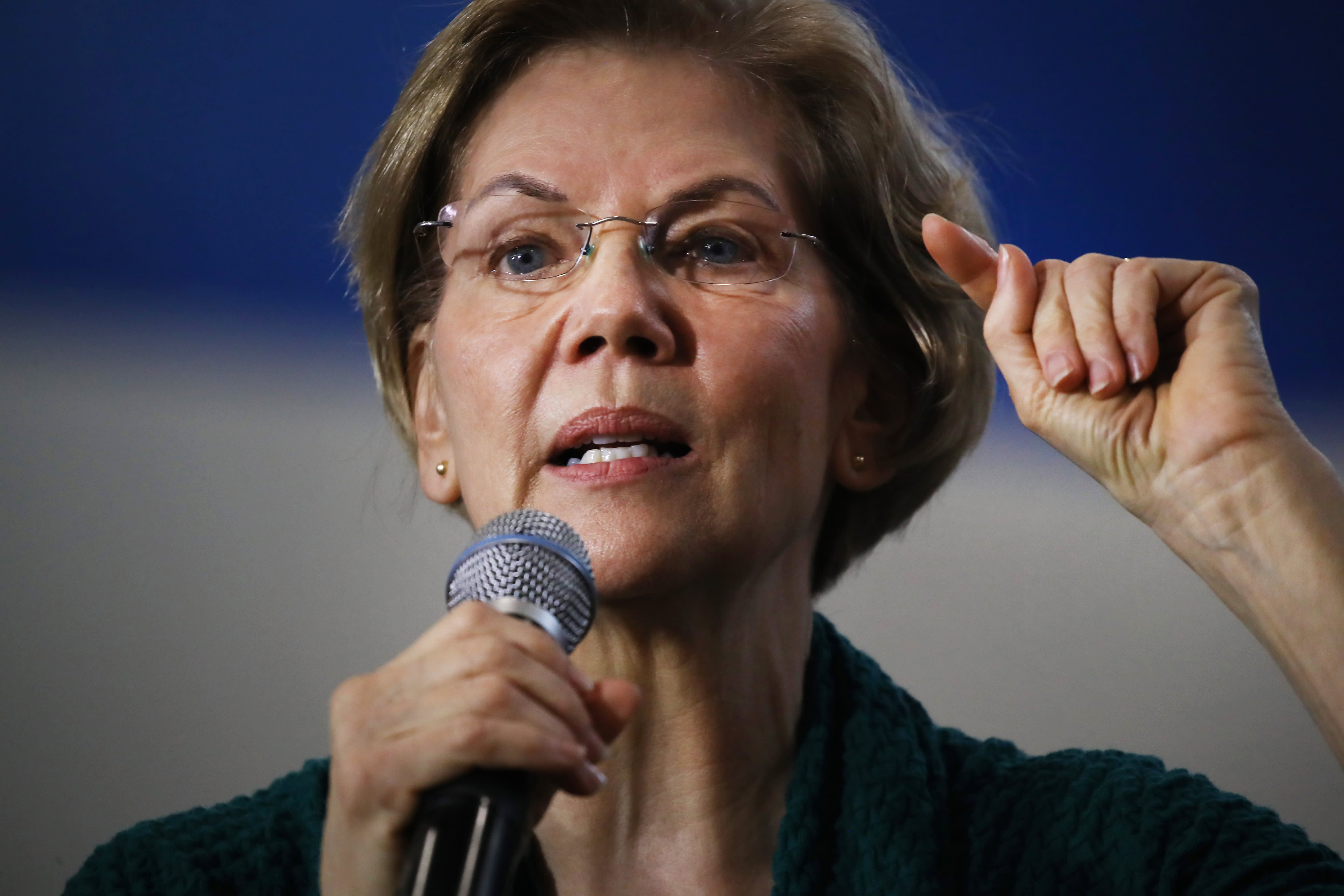 Elizabeth Warren wants to create a Justice Department task force to investigate Trump administration corruption