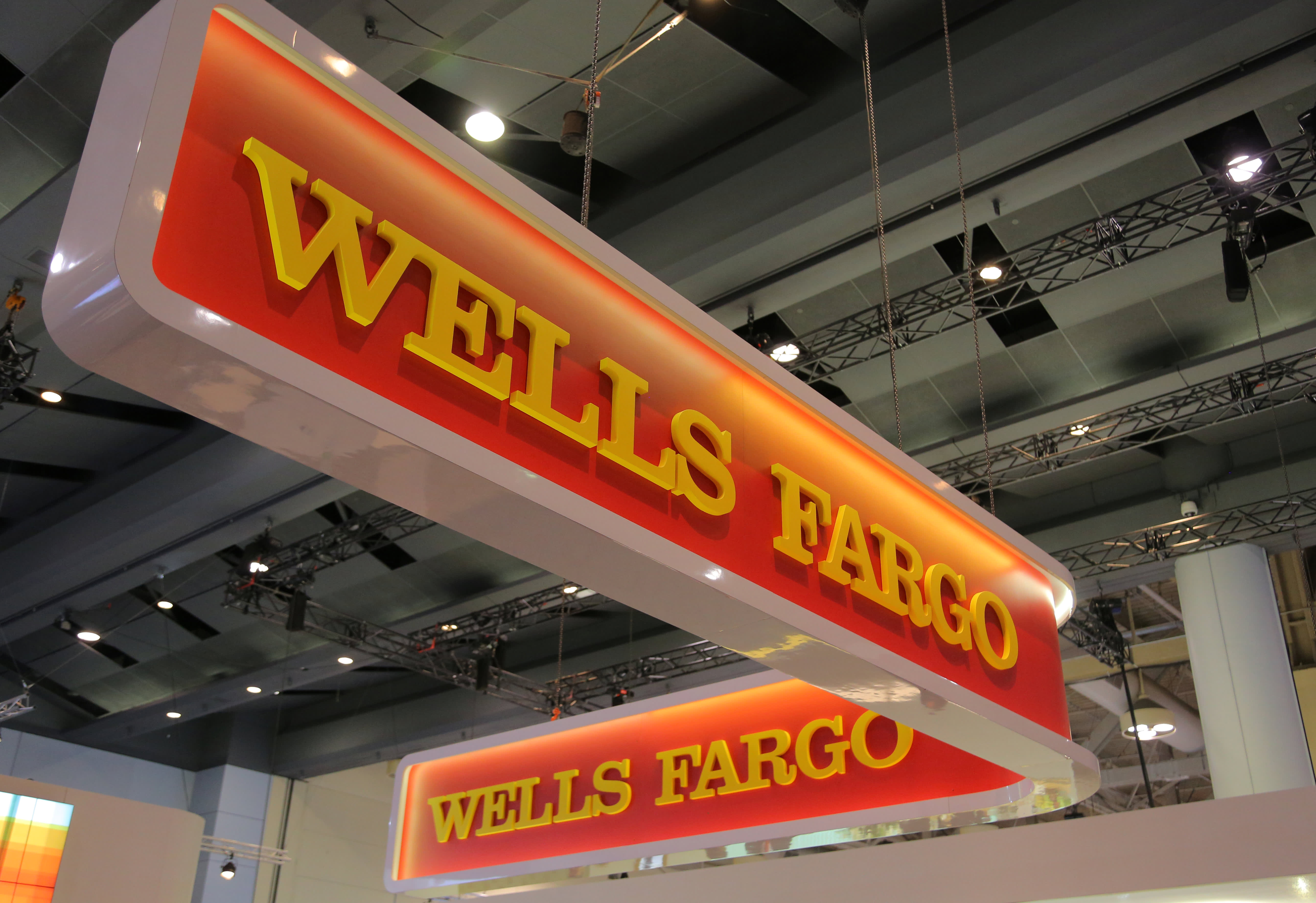 Wells Fargo will no longer accept applications for home equity lines of credit