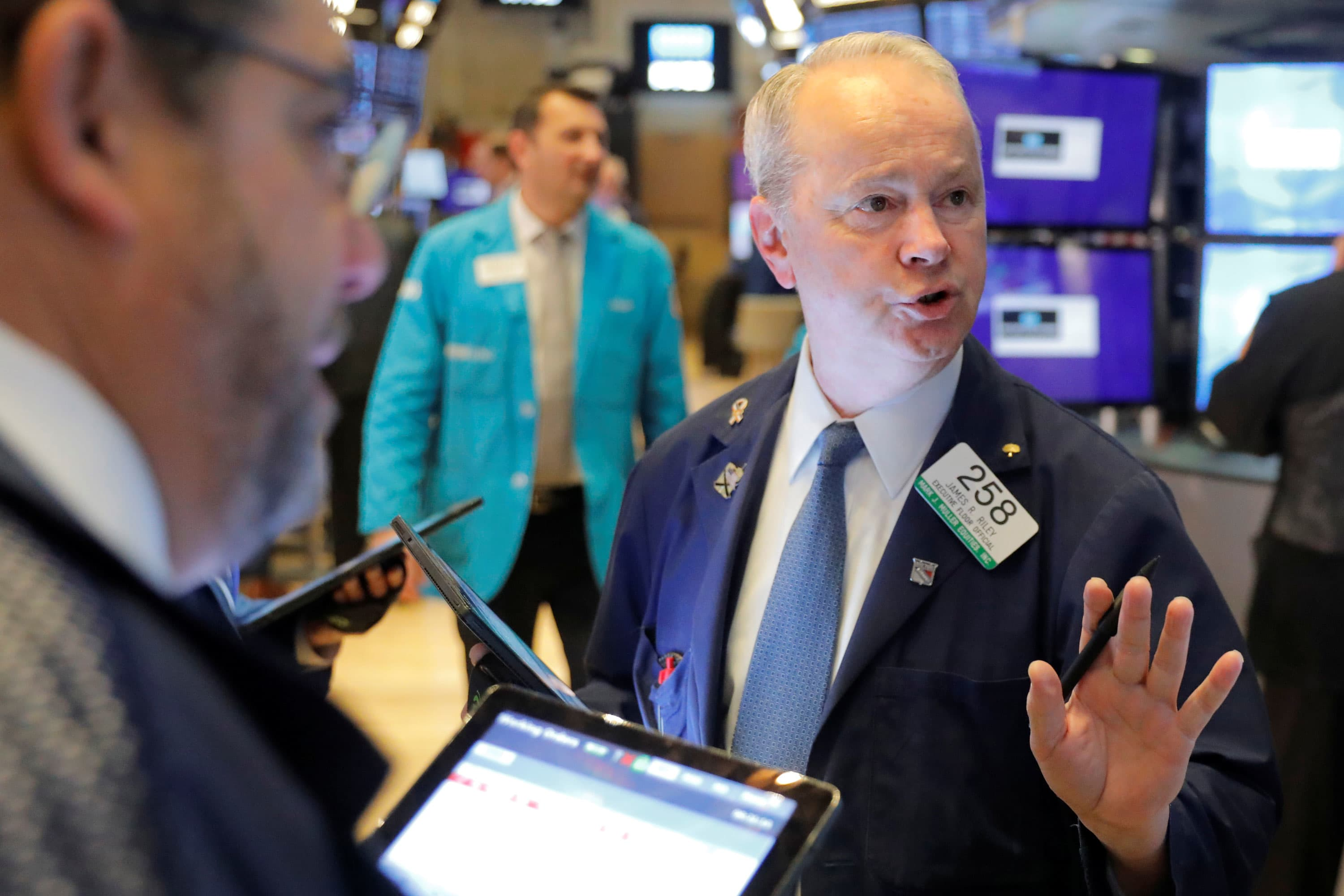 Low interest rates are helping stocks, says strategist