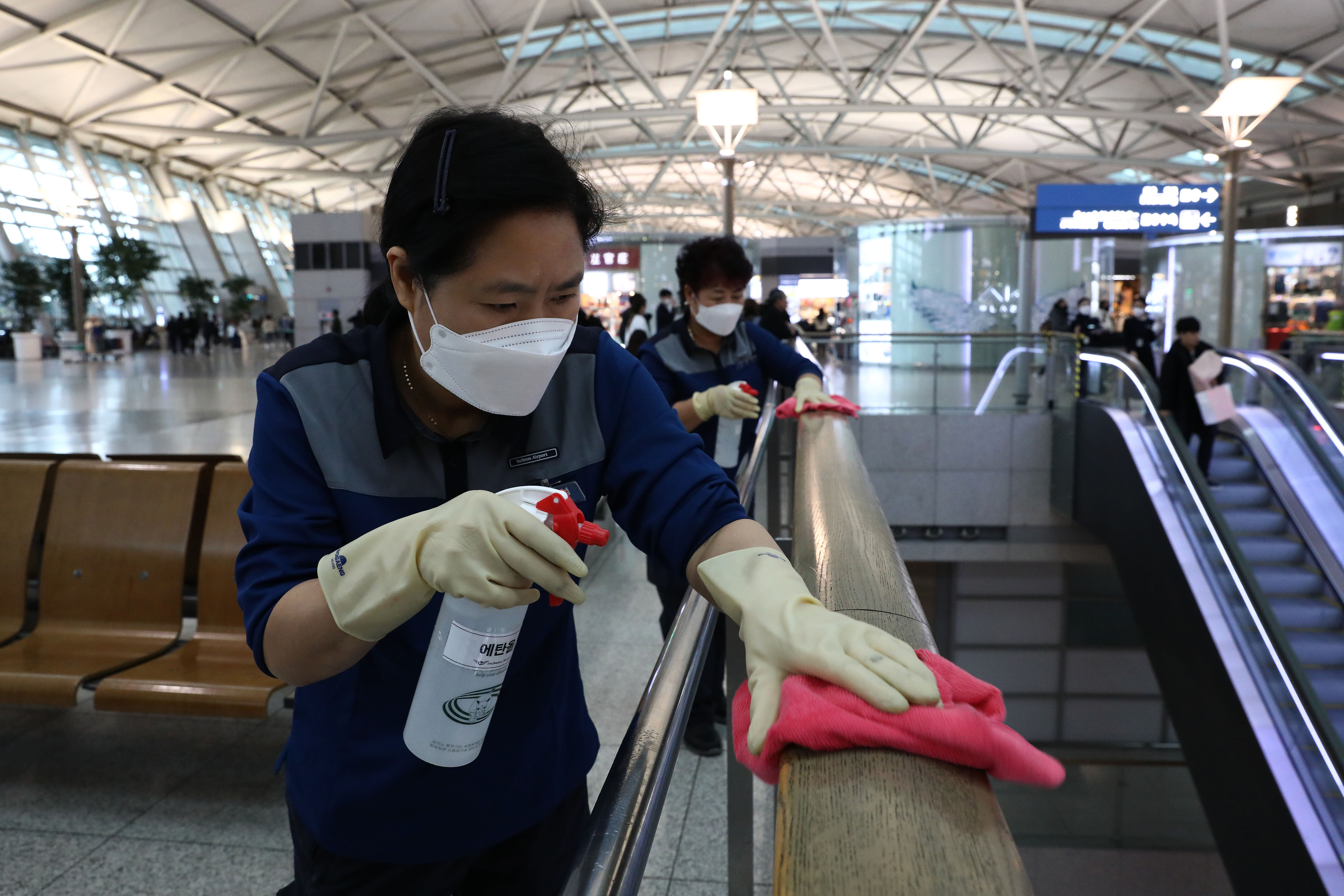 China coronavirus death toll climbs to 81 with nearly 2,900 cases worldwide
