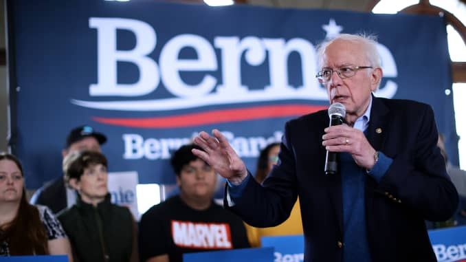 GP: Presidential Candidate Bernie Sanders holds Town Hall In Perry, Iowa.