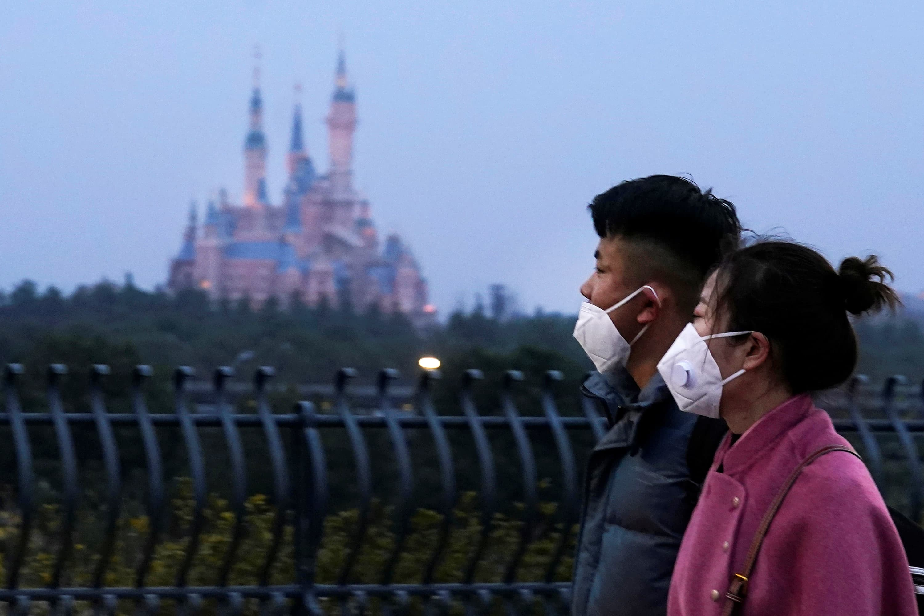 US companies suspend China operations, restrict travel as coronavirus outbreak spreads