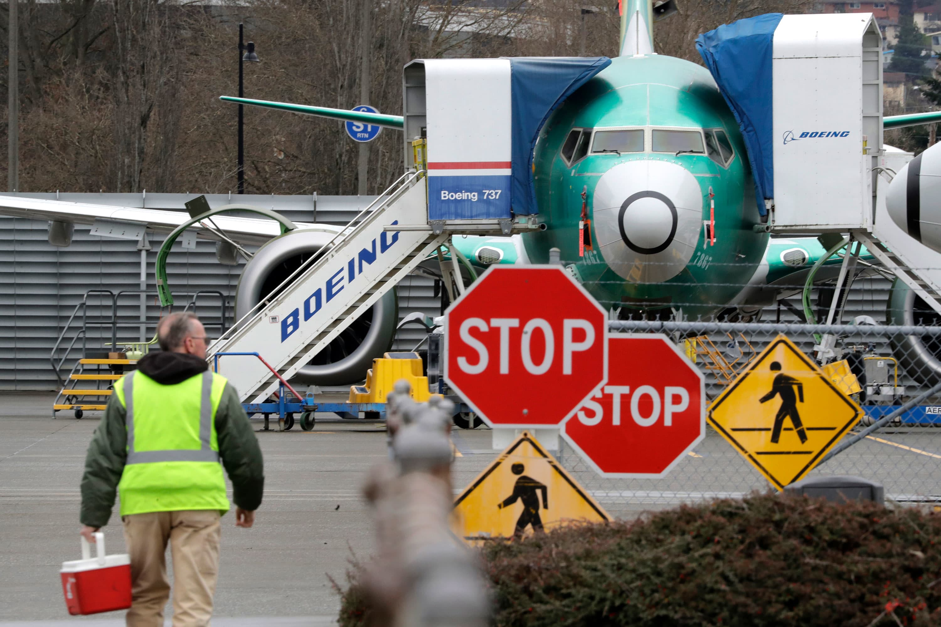 Boeing to offer voluntary layoffs to employees amid coronavirus pandemic
