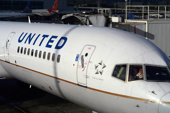 United Airlines buys flight-training academy to speed up hiring of 10,000 pilots