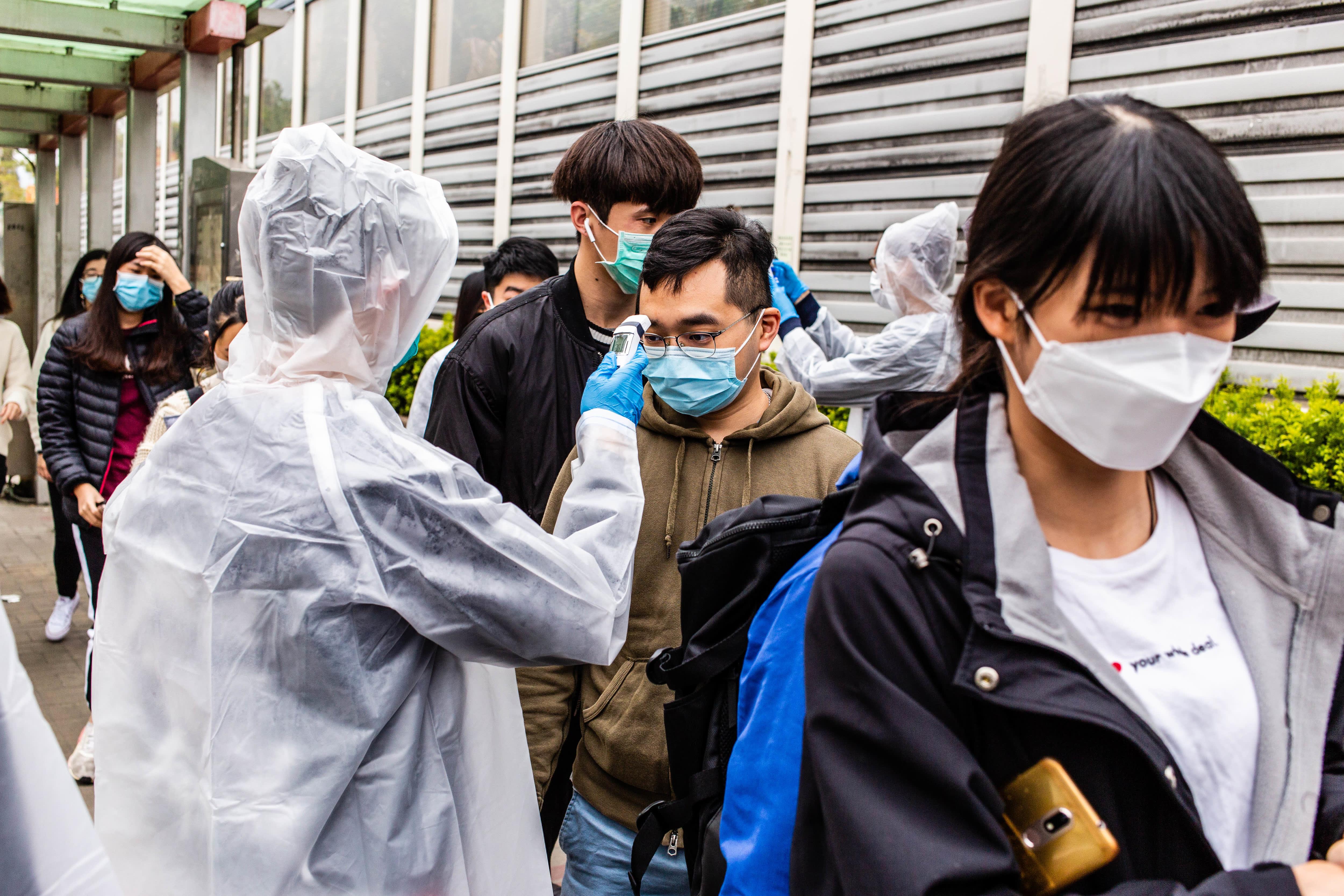 Coronavirus expected to hit Chinese travel, global economy