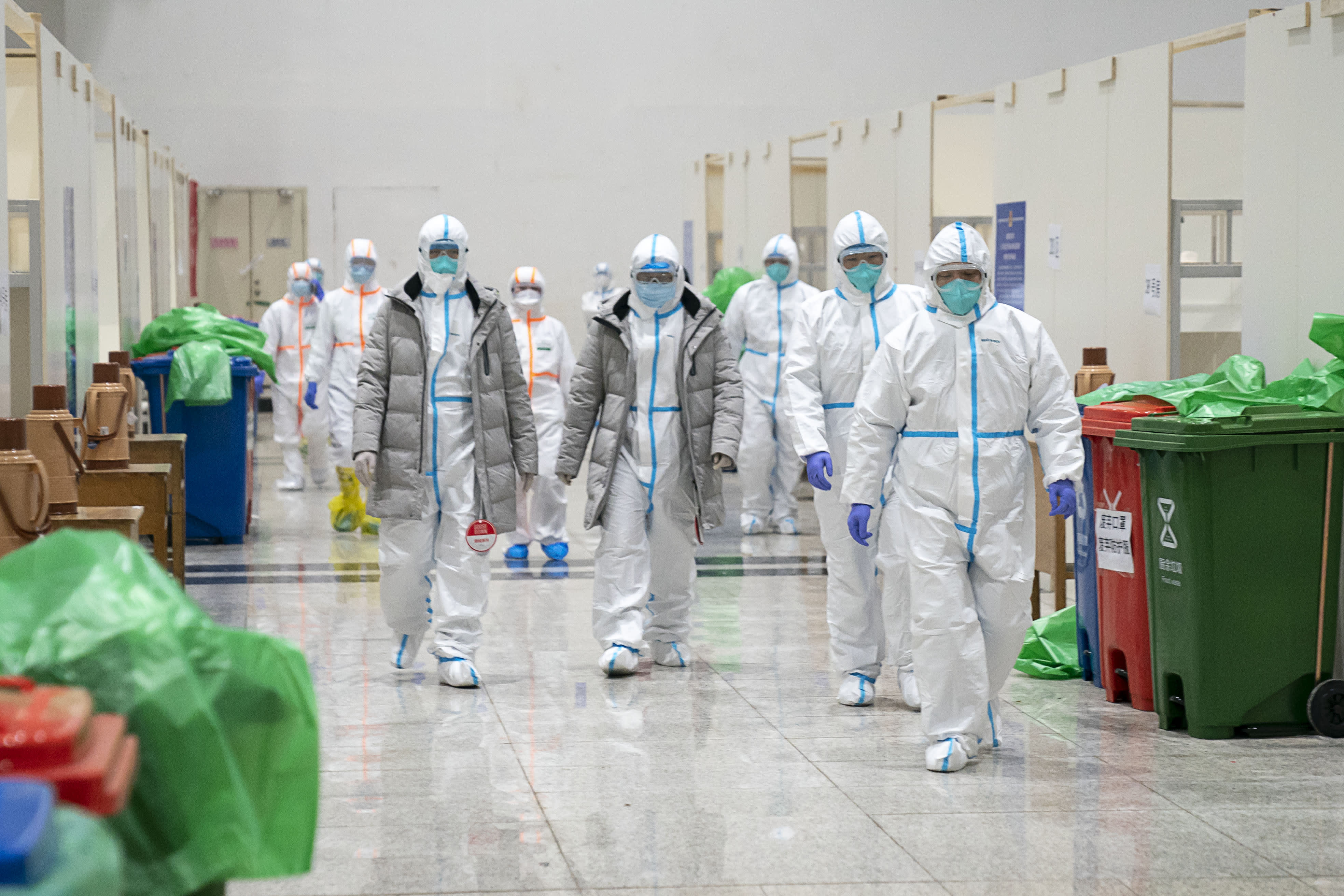 Coronavirus live updates: China sends team to Wuhan after outcry ...