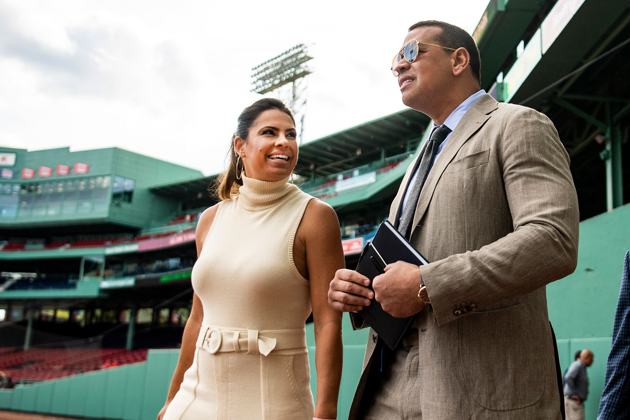 MLB analyst Jessica Mendoza signs extension at ESPN, resigns from Mets
