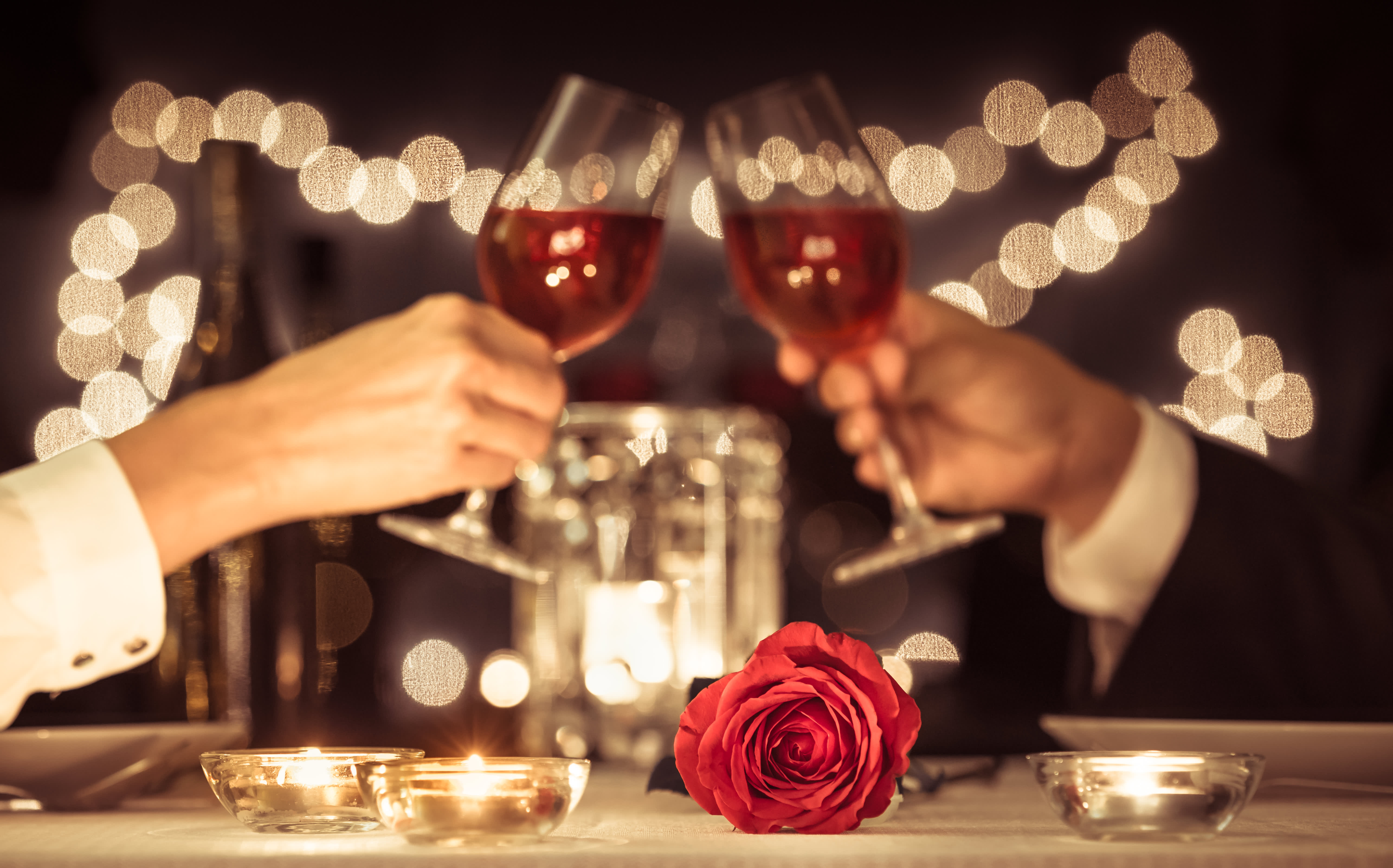 Here's how to save money on Valentine's Day with your credit card