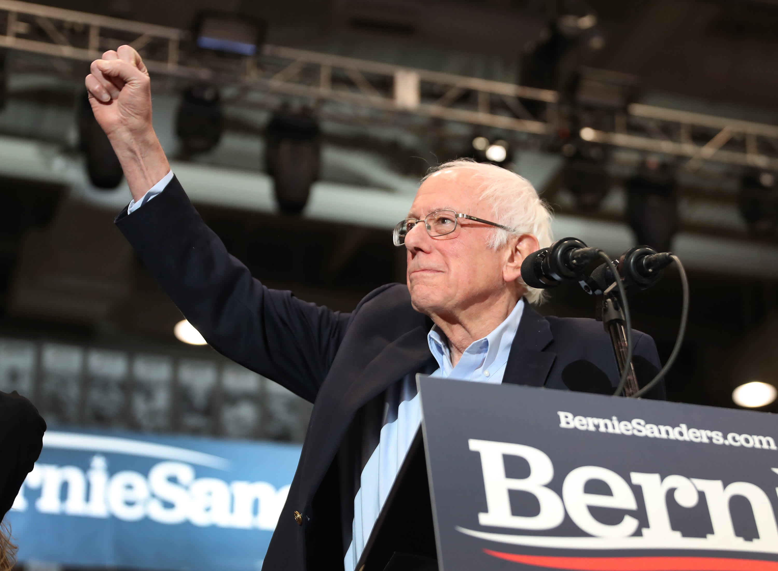 Bernie Sanders Defeats Joe Biden & Pete Buttigieg In New Hampshire Democratic Primaries