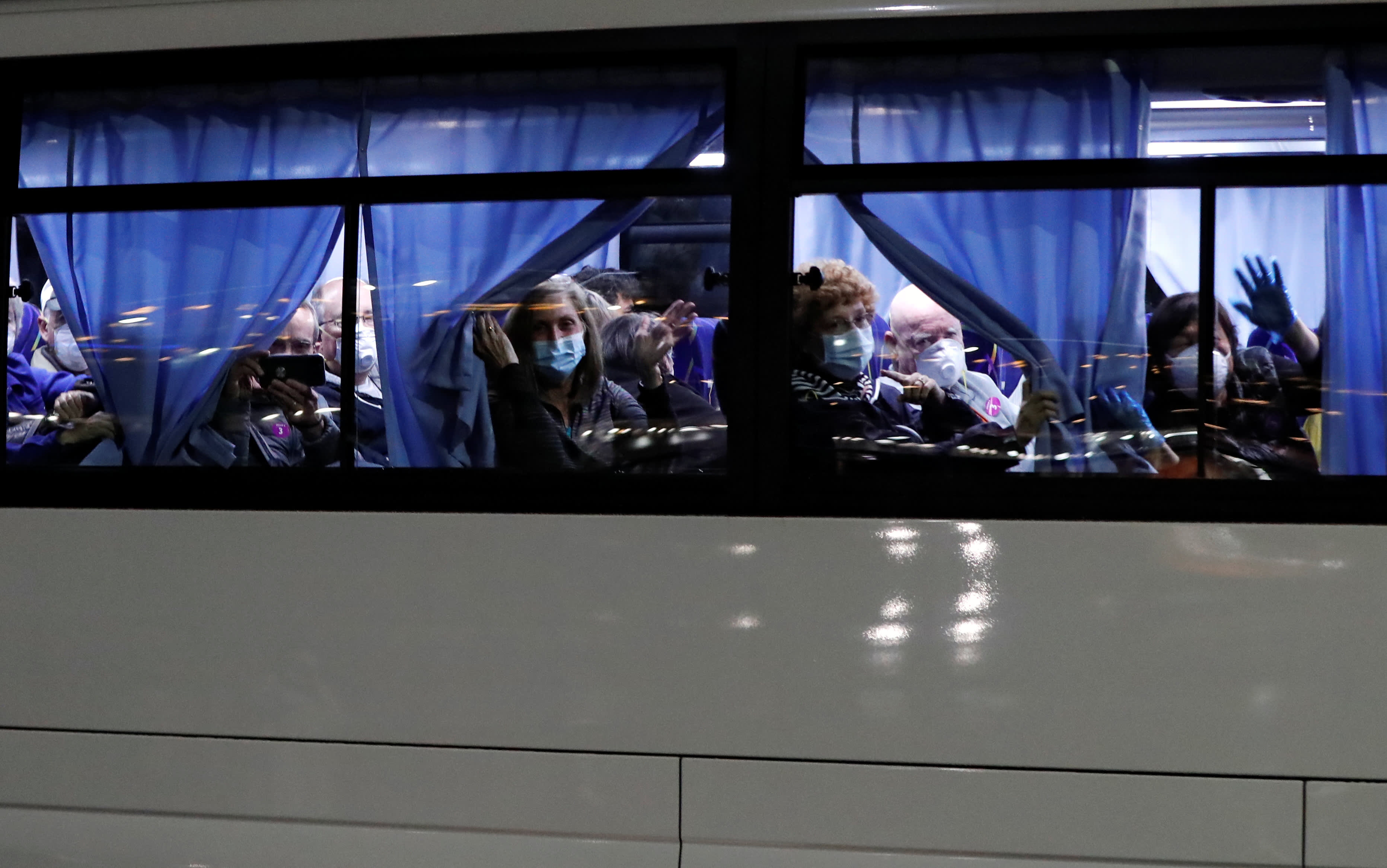 Coronavirus live updates: Diamond Princess passengers, including 14 new cases, arrive in US