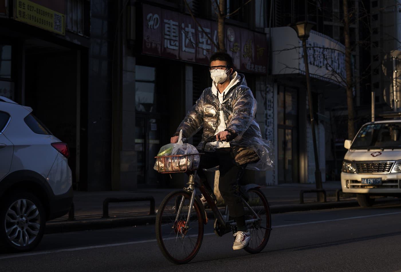 Coronavirus live updates: Director of hospital in Wuhan, China dies