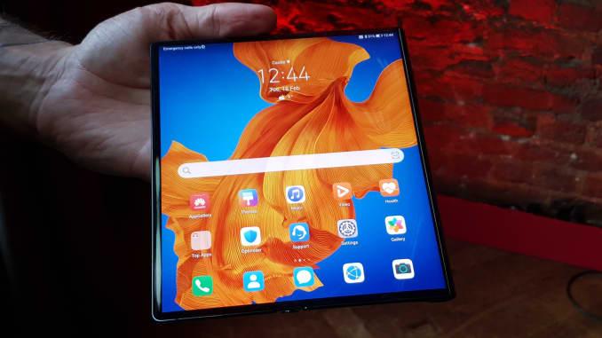 CNBC: Huawei Mate Xs foldable 3