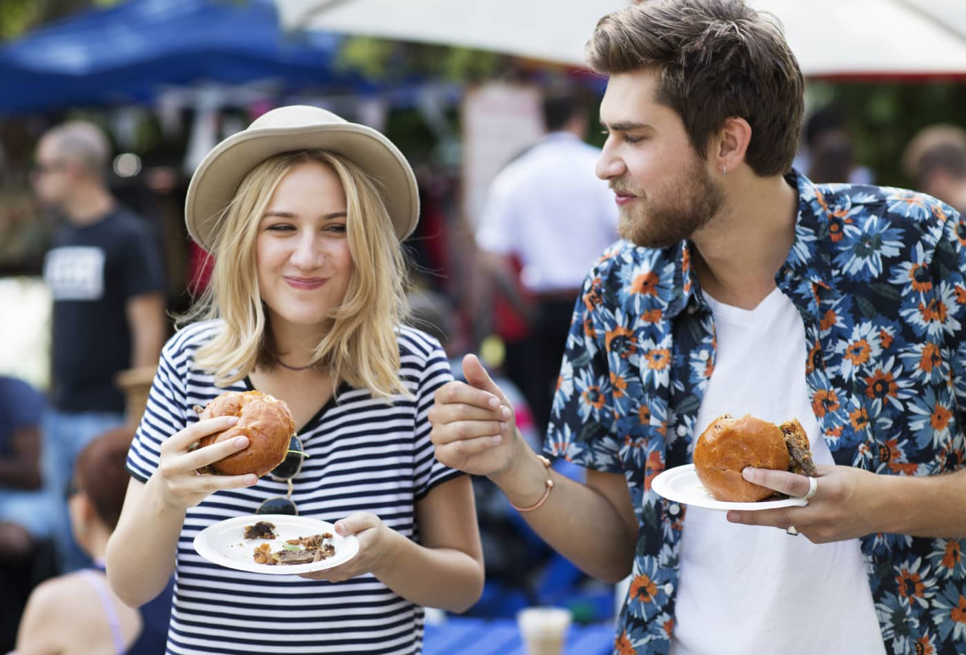 Here's how much Americans spend on dating at every age