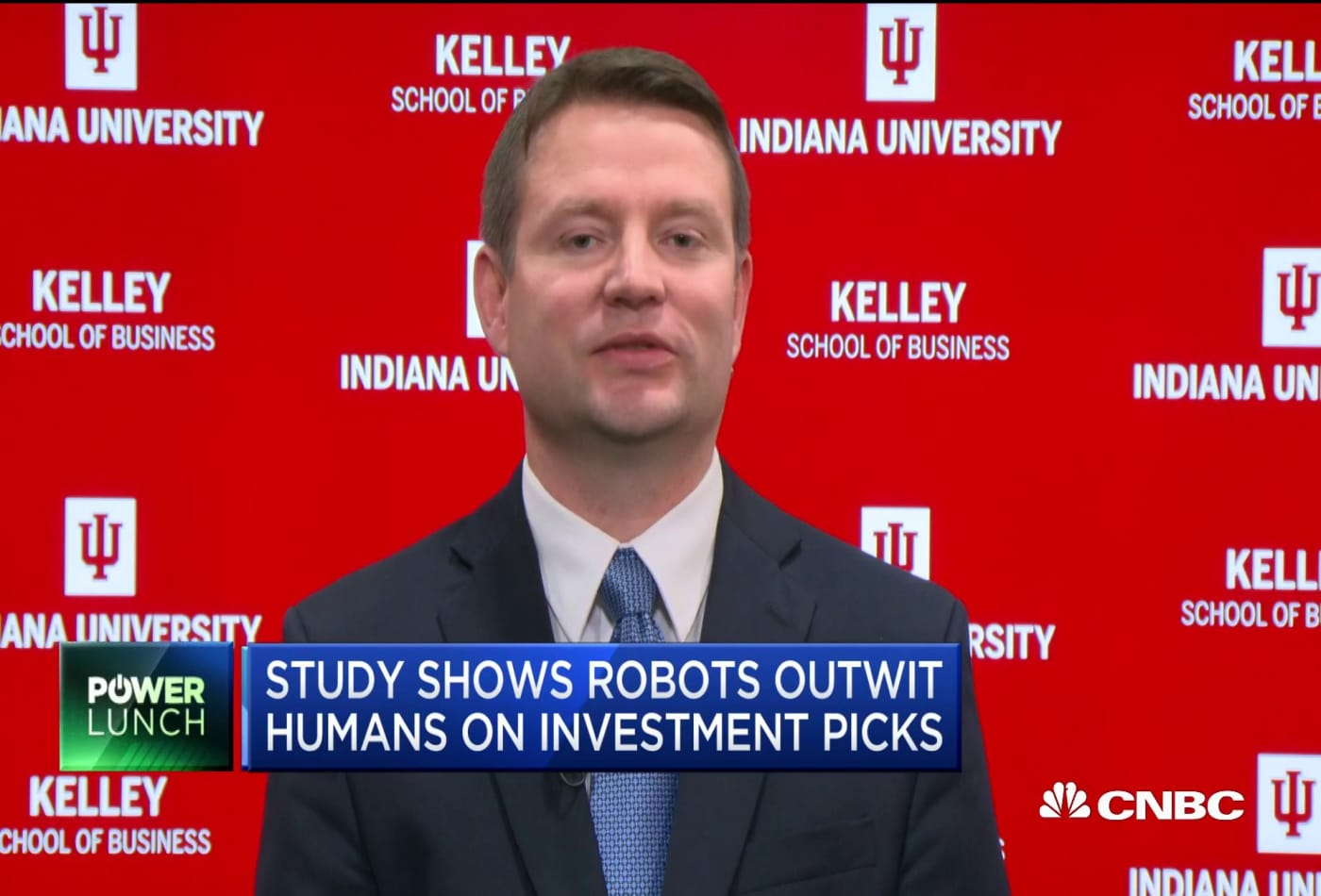 Studies show robots outwit humans on investment picks