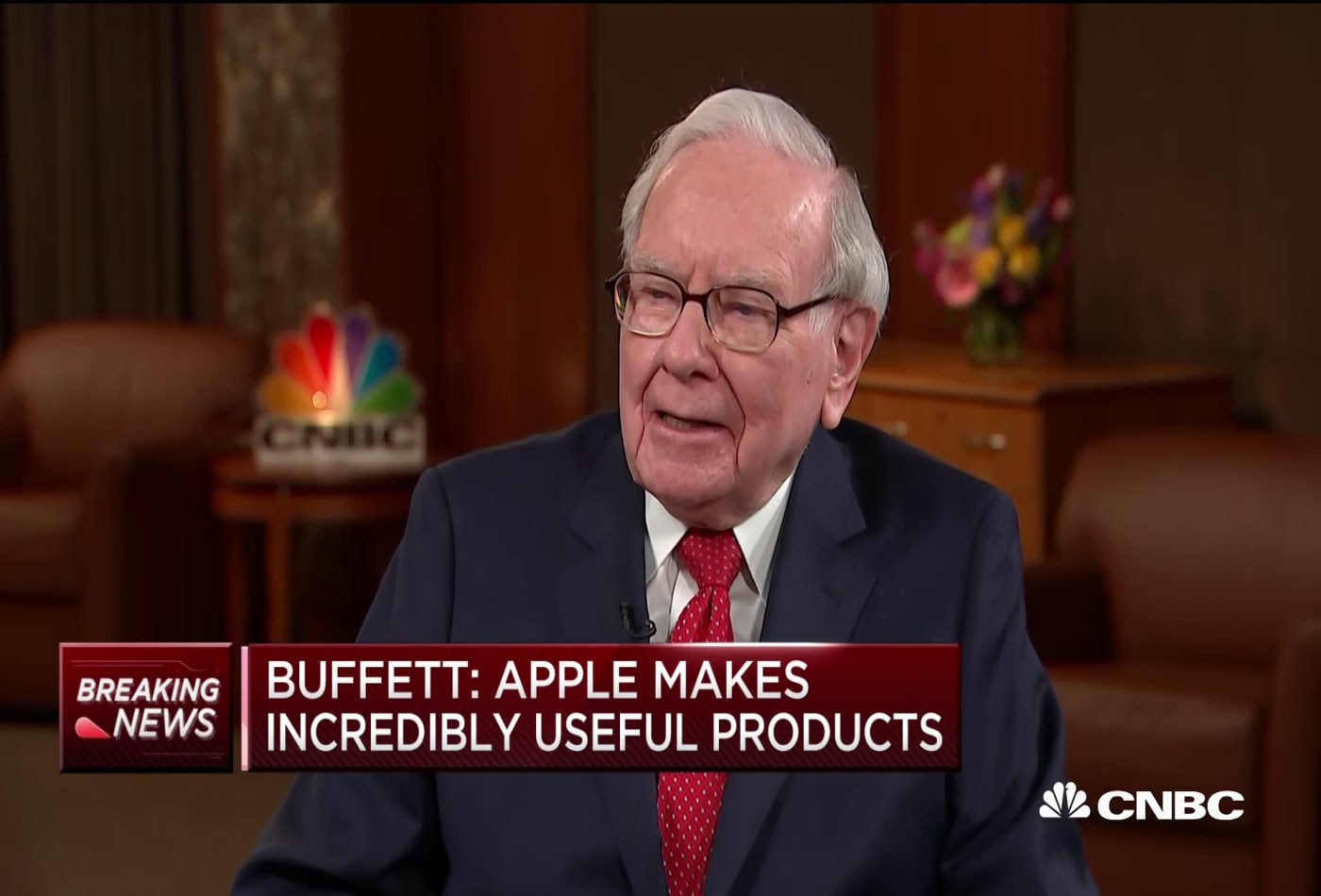 Warren Buffett: Apple is 'probably the best business I know in the world'