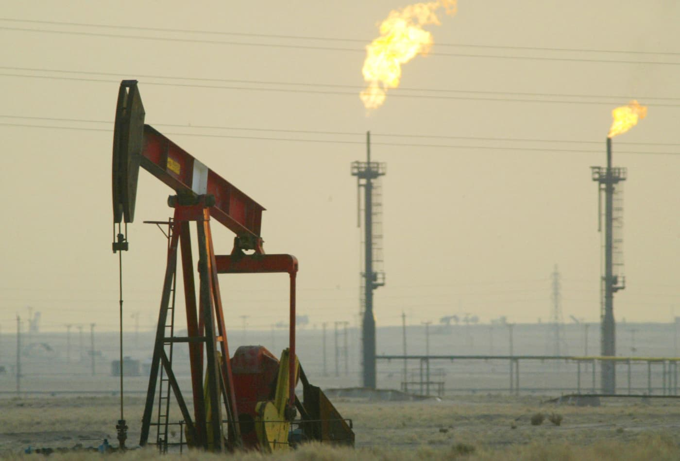 Oil prices could remain weak in March and April, even if OPEC cuts production: S&P Global Platts