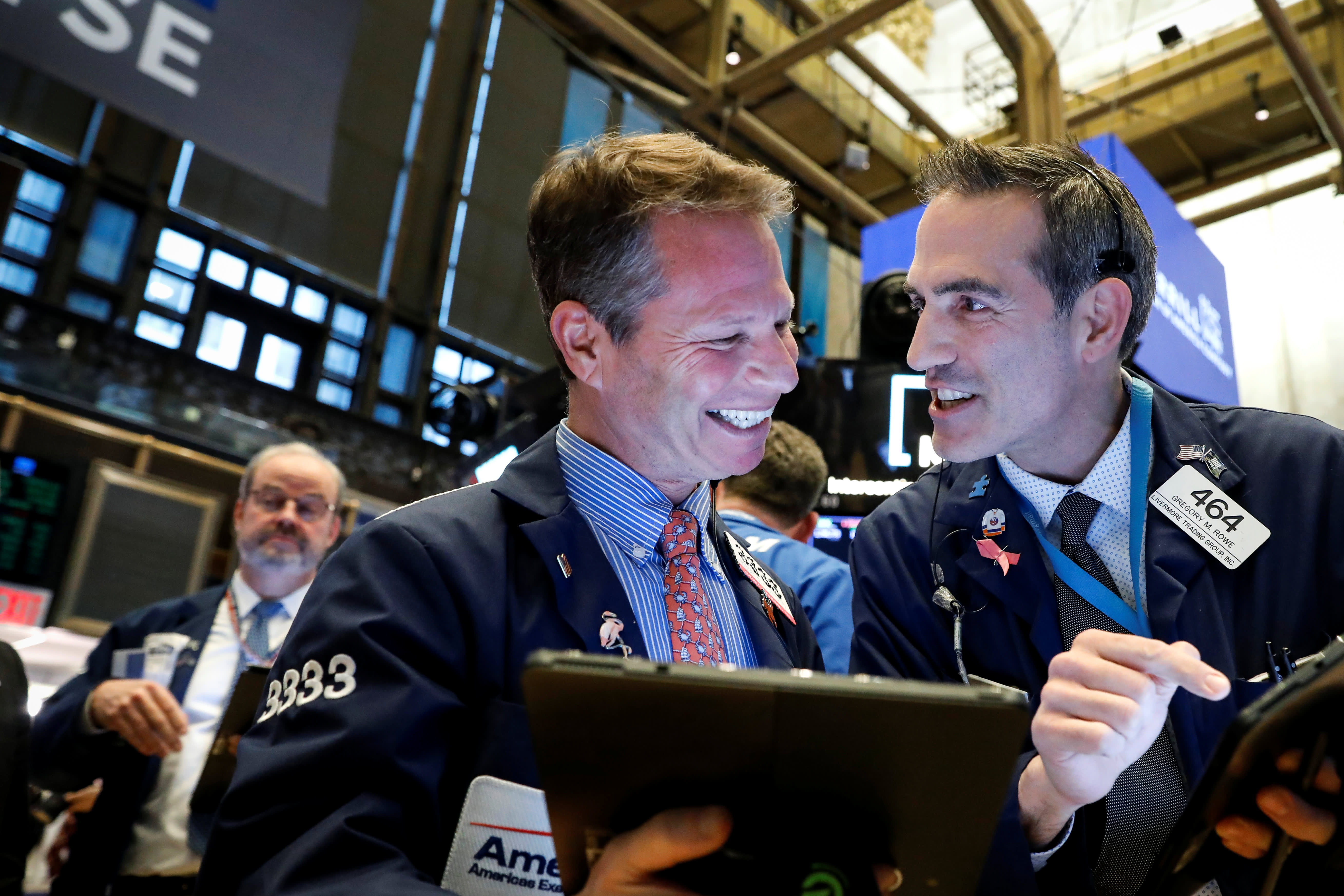Dow rebounds 450 points from 4-day slide as Fed is not ready to remove stimulus yet