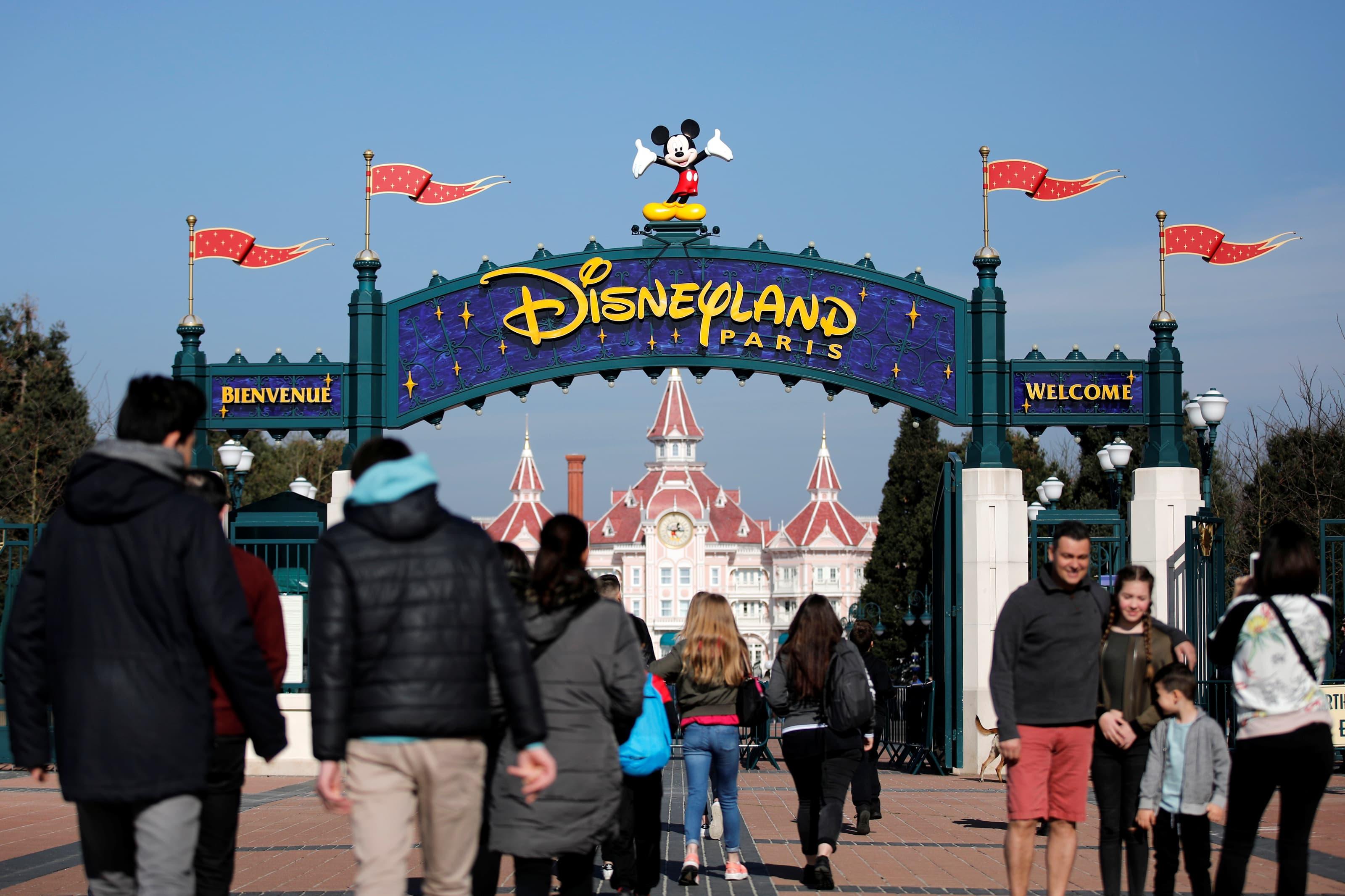 Disney mengalahkan ekspektasi di mana-mana, dengan taman-taman AS kembali untuk belajar thumbnail