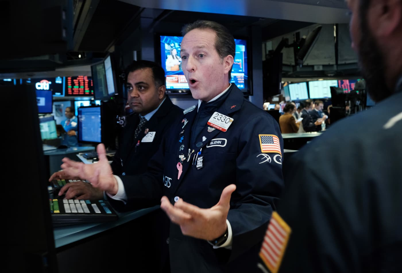 Stock market live Monday: Stocks post major losses, Dow's worst point drop ever, Oil tanks 24%
