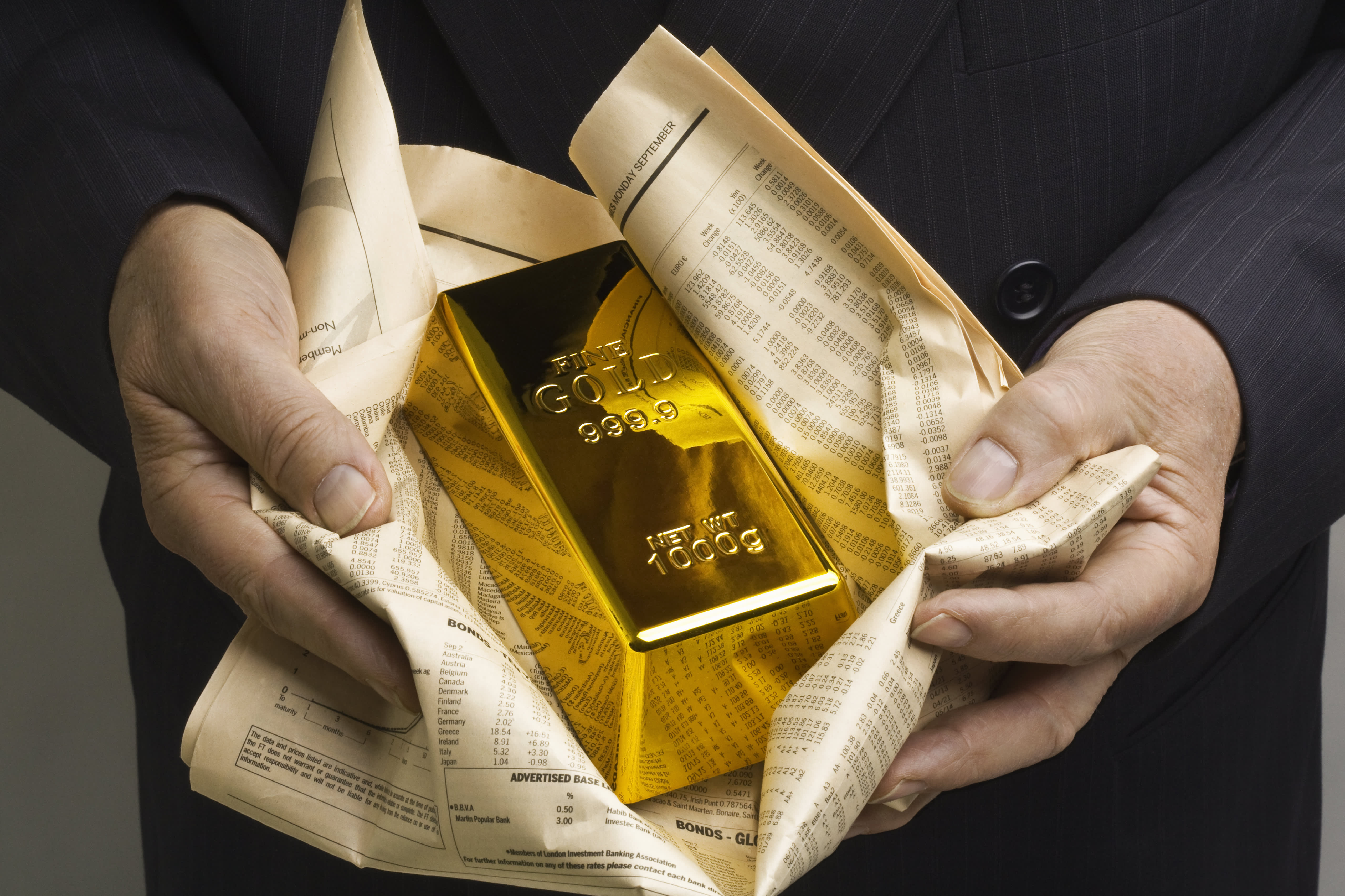 Gold could test new highs this year. One analyst shares his investing ideas