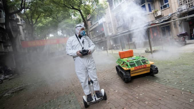 GP: Coronavirus China robot disinfectant