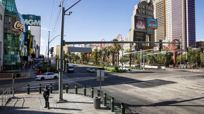 Nevada To Close Casinos Ban Dining Out To Stem Coronavirus Spread
