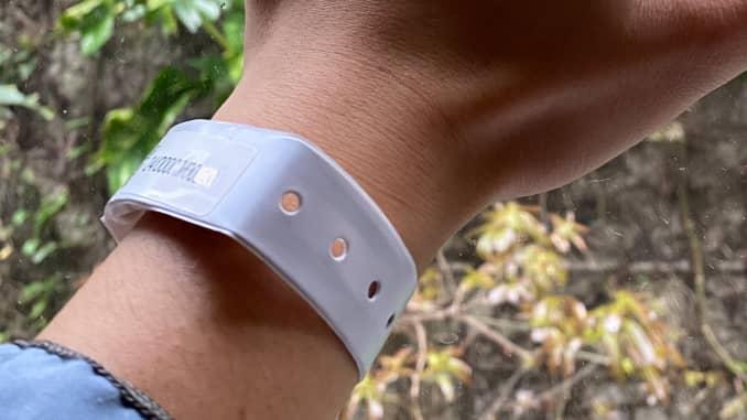 Hong Kong uses electronic wristbands to enforce coronavirus quarantine