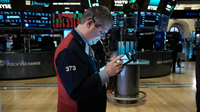 GP: NYSE Trading Temporarily Halted Yet Again During Market Hours, As Dow Dips Below 10 Percent coronavirus 200318